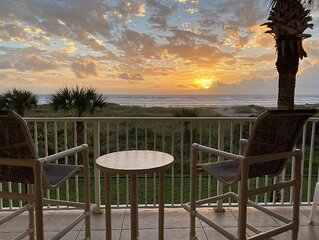 2nd Floor,Direct Ocean view fully furnished with all your beach needs