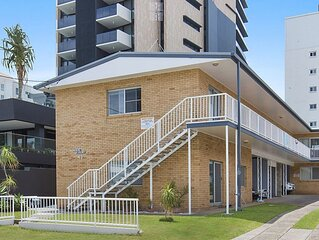 Mavic Court Unit 1Only 200m to Rainbow Bay Beach in Coolangatta