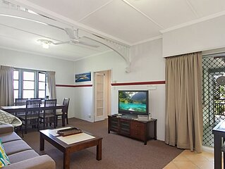 Tondio Terrace Flat 1- to the beach Comfortable 3 bedroom budget accommodation o