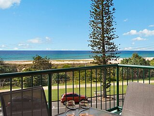 Boardwalk Pacific Unit 8 3 bedroom beachfront apartment balcony with views