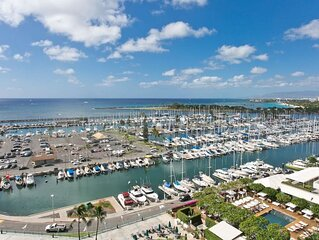 Ilikai - 13rd floor! Gorgeous view of the ocean and Ilikai harbor!