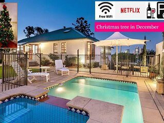 Ultimate Family Home⭐Private Pool⭐Incredible Views|Brisbane|WiFi