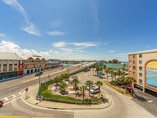 Large Nicely Furnished Unit in Beach Side Complex, Watch the Boats & Dolphins i