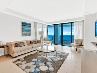 � Modern Beachfront 2 Bedroom Apartments �