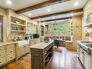 *NEW* Gorgeous English Cottage
