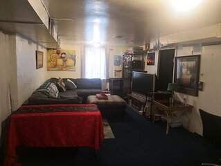 420 inside ok Pet Friendly Lg Basement Studio W/ 24hr Hottub & Big private yard