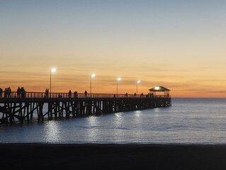 Short stroll to beautiful Semaphore South Beach