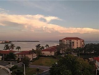 Incredible 6th floor condo with water views of Tampa Bay!