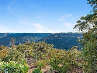 Grandvista Stunning Cliff Face & Valley Views