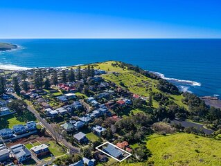 BLUE WATERS, Gerringong - 4pm check out Sundays!