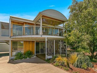 A Wave From it All - sleeps 13