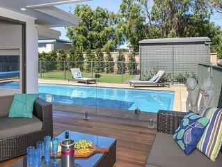 Emerald - coastal walk, swimming pool, per friendly