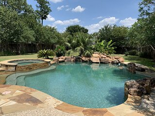 Great Vacay near SplashTown, Old Town Spring, The Woodlands, and much more!