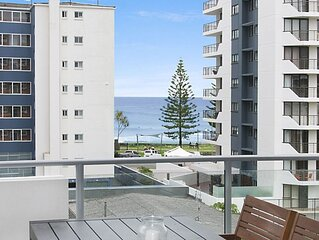Eden Apartments Unit 502 Modern 2 bedroom apartment easy walk to Twin Towns Serv
