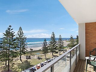 Rainbow Pacific Unit 15- Beachfront unit a great spot for a family beach holiday