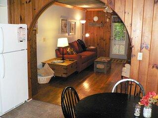 Three Cub Cottage in historic Flat Rock