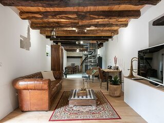 11-th century, fully renovated and well furnished gite near Roque Saint Christop