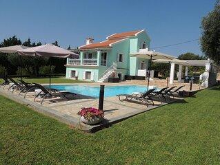 Villa Hara - 4 Bed Villa, Large Pool, Fabulous Sea and Mountain Views Free WiFi
