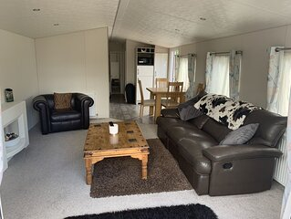 Luxury Lodge near Glastonbury festival and Bath and West Showground.