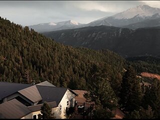 Explore this Mountain Getaway in National Forest. Refresh and Relax.