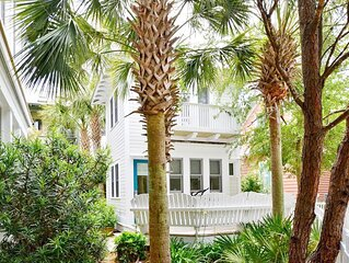 1 BR Guest Cottage in Seaside, King Master, Steps to Pool and Beach
