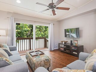 Charming retreat with a heated lagoon-style pool - two blocks to the beach!