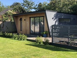 Luxury, Peaceful  Cabin in an ancient Roman village near Oxford