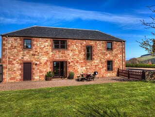 Red Gauntlet is our spacious 4 star property on the farm steading.