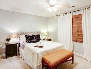 3BR at Polk Street - Three Bedroom House, Sleeps 6
