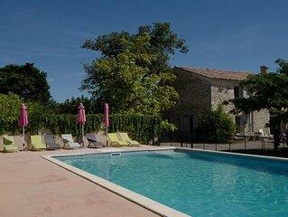 Mas provencal 3 etoiles avec piscine dans les vignes pour 8 (a 14 pers).