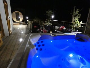 CHALET IN THE HEART OF ARAVIS 2 to 8 pers. Near the stations. quiet mountain vi