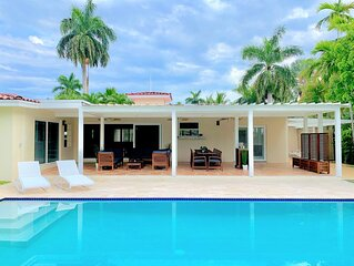 Private Pool House 1mile from beach