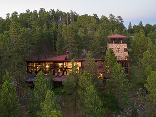 One of a kind Black Hills Home with View of Mount Rushmore
