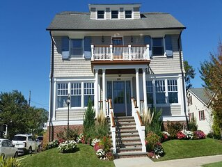 Water View, Easy walk to Downtown Cape May. 8 Bedrooms