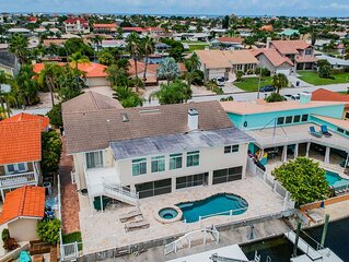 Panoramic Waterfront Home.  Boat/Kayak dream! Minutes to Gulf of Mexico