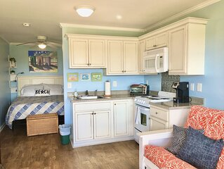 �OCEANFRONT Dunescape Studio w/ Direct Beach Access�Kitchen�Pool�WiFi