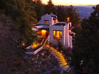Sunset Acres*Romantic*Epic Views*5 acres*Luxury*private trails* 1 mile to town