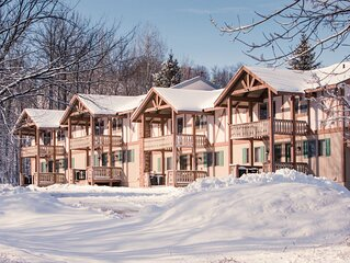 A Comfortable Trailside Condo Along the Flintlock Trail with A Shared Outdoor