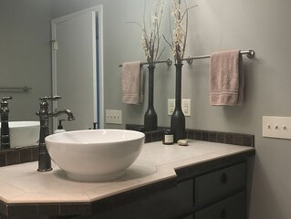 Private Wine country daylight basement (1 bd, 1 ba, kitchen, living, patio)