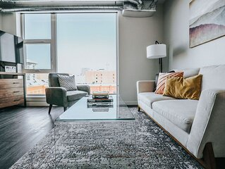 Stunning 1 Bedroom in Downtown with Amazing Views