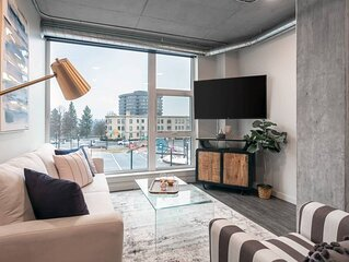 Amazing 2 Bedroom Apartment with Stunning Views