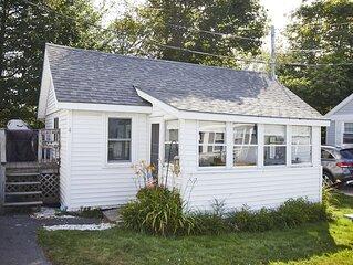 Beachside cottage in family friendly neighborhood