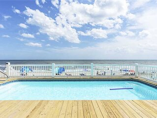 Clear Skies: 7 BR / 4.5 BA home in Oak Island, Sleeps 20