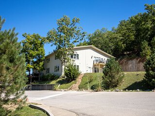 Six Bedroom Lakefront Home - Lake of the Ozarks