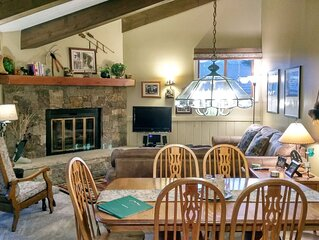 Remodeled 2BR + Den Condo w/ FREE WiFi, Parking, Heated Pool, Hot Tubs, Shuttles