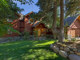 Mountain-style Home, Comfort and Charm Abound, Deck, Hot Tub and Views