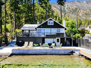 Lakefront house w/ private dock, deck & patio