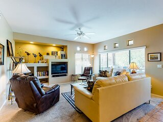 Comfortable and updated condo with a shared pool and hot tub!