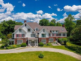HUGE Mansion: Privacy. Great for groups, retreats, yoga, DIY weddings. Sleeps 34