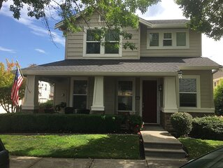 Executive home in Orenco Station. Walking distance to Max line, Intel campuses